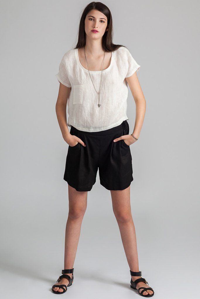Galiano Short - Pillar ethical slow fashion #galianoshort #shorts #pillar #pockets #black #slowfashion #ethical #midthigh #pleats #fashion #versatile #musthave #shopwonderland #madeincanada #vancouver