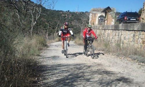 Daganzo - Pedrezuela - Daganzo.  71 km, 800 m de desnivel subiendo y otros 800 bajando.