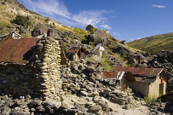 Kawarau Gorge - Miner's huts | © Elyse Childs Photography