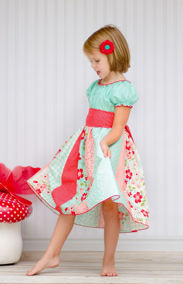 Love the contrast edging on this Daphne Dress from Kinder Couture