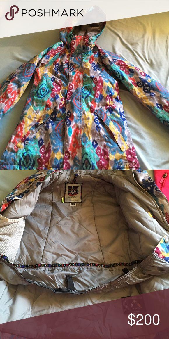 Burton ski jacket. X-small. Burton ski jacket x-small. Perfect condition and only worn once. Arm, hood and hip adjustable! Burton Jackets & Coats