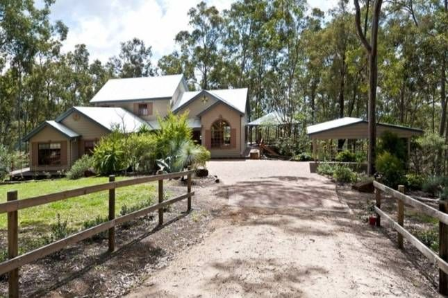 Chalet on the Ridge, a Toowoomba Cottage/ House | Stayz