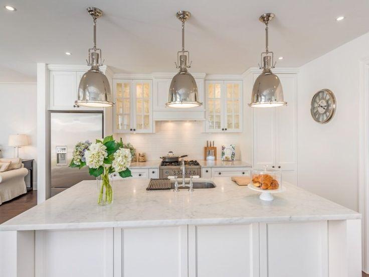 Beautiful bright kitchen in Lilyfield Sydney designed by The Site Foreman #newhome #interiordesign #homeinspiration #sydneyarchitects #innerwestarchitects