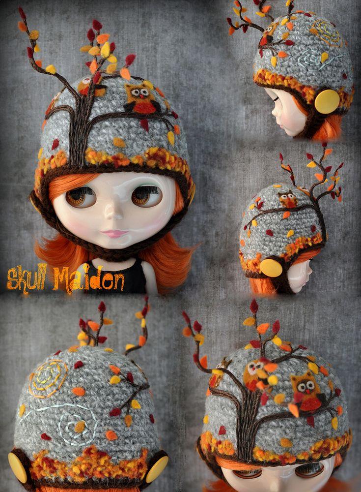 skull maiden's awesome blythe helmet!: Skull Maiden, Fall Leaves, Blythe Dolls, Autumn Leaves, Blythe Helmets, Awesome Blythe, Owl Nests, Blythe Hats, Winter Hats