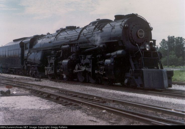 Norfolk and Western #1218        From the collection of Dennis Schmidt Date: 7/7/1990 Location: Fort Wayne, IN