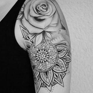 mandala rose tattoo - Buscar con Google