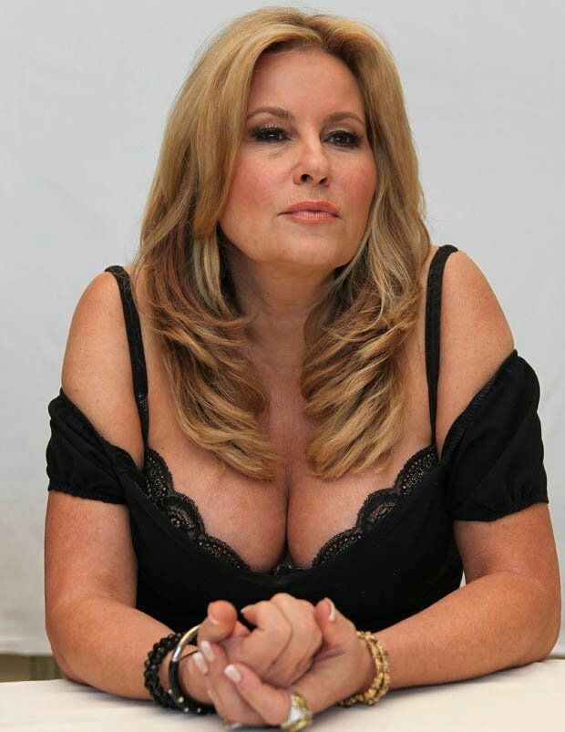 Jennifer coolidge milf