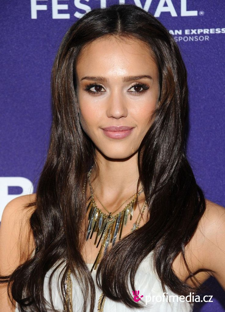 // Color // Jessica Alba Hair is like a warm dark chocolate color... :)
