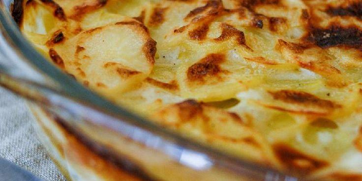 Gratin Dauphinois - Her er Clotildes oppskrift på nydelig potetgrateng, eller det vi gjerne kaller for fløtegratinerte poteter.