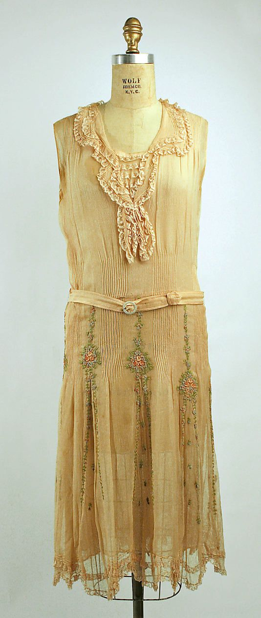 Afternoon dress Date: 1928–29 Culture: French Medium: silk, cotton, mother-of-pearl Dimensions: Length (a): 46 in. (116.8 cm) Length (b): 37 1/2 in. (95.3 cm)