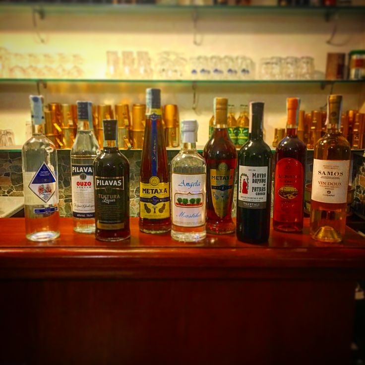 #tavernaouzerimykonos #liquorigreci se questa sera avete sete #ristorantegreco #tavernagreca #tavernagrecareggioemilia #greekspirits #greektradition #rispettiamoletradizioni