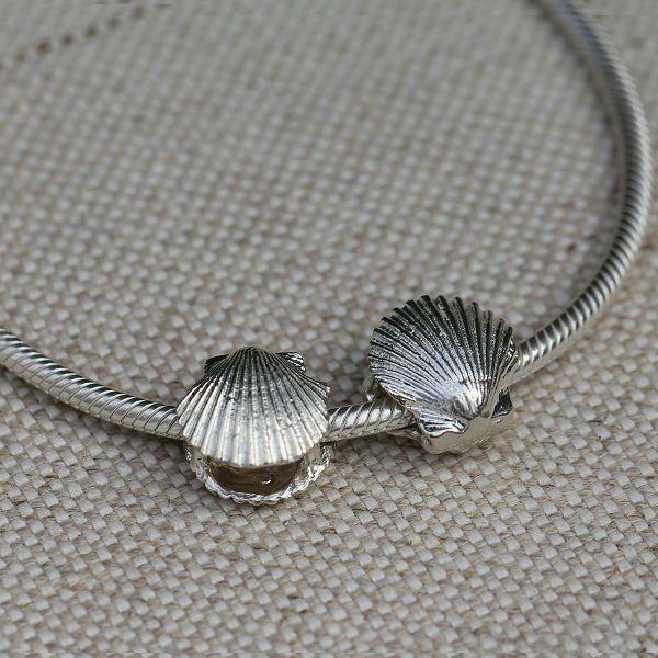 Scallop Shell Charm Bead