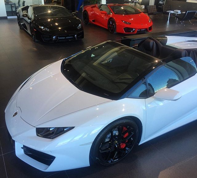 Instagram media by lamborghinimtl - Lamborghini Huracan LP 580-2 RWD WORLD #lamborghini #huracan #coupe #spyder #rwd #white #black #red #carporn #beautiful #beast #photooftheday #wow #stunning #picoftheday #bullstothewest @lamborghini @mtlblog @lamborghini_motors @huracantalk @ikonic_rides @dupontregistry