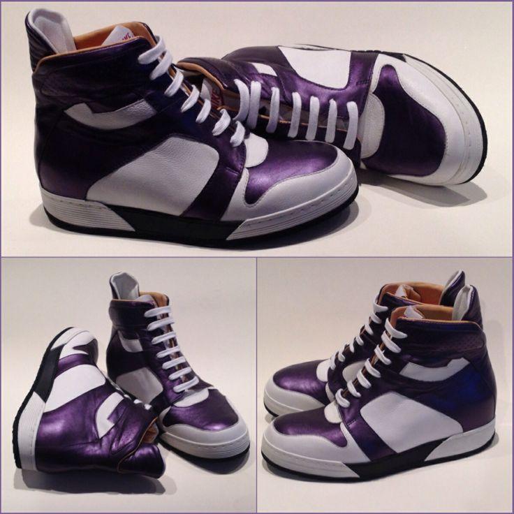 Hippe sneaker met paars metallic leer. Er is zóveel mogelijk in orthopedie!