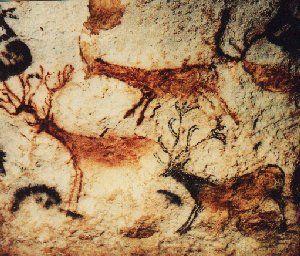 Pintura rupestre de um cervo em Lascaux, França  Gostei dos chifres