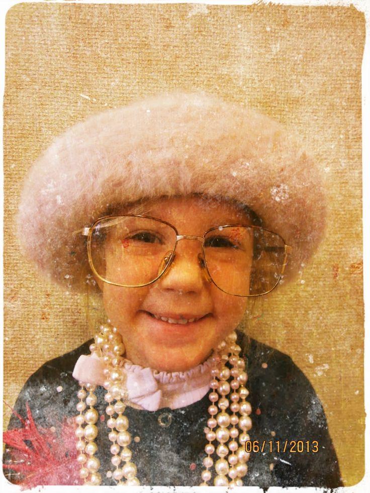 Kinderen gaan als oma/opa op de foto. Bewerken via de app Time Photo Studio