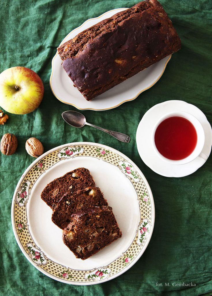 vegan apple & walnuts cake