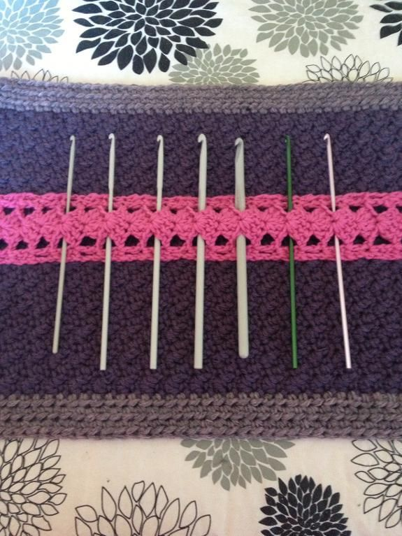 It seems wrong to store crochet hooks in anything other than a crochet hook case. Here are 10 FREE Craftsy patterns to keep your hooks corralled in style.