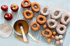 Beignes aux pommes à l'ancienne #recettesduqc #dessert #pomme