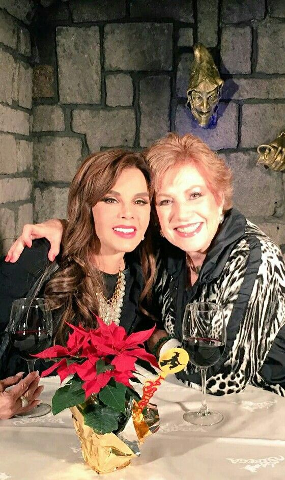 Lucia mendez y maxine woodside mexico 2015