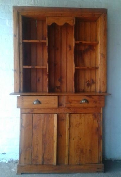 Original origon kitchen dresser measuring 1,1m (height) x 0,4m (depth) and 1,9m (height). These are becoming rarer and are incredible difficult to find.