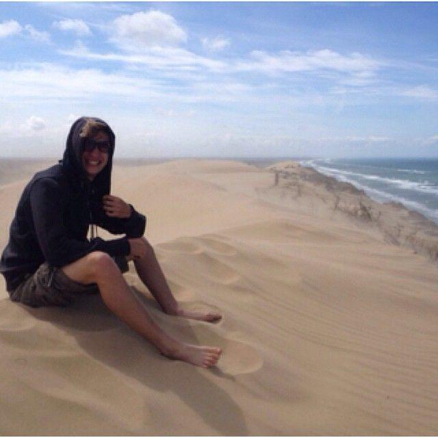 Nicklas nyder udsigten ved #Rubjerg Knude. #Sandstom #visitnordjylland  @visitnordjylland