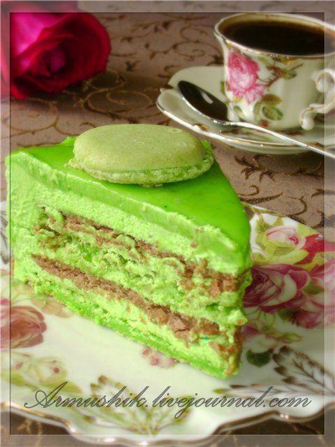 Это мой первый Macaron и сразу в виде торта.))Это просто фантастически вкусный торт.Для меня,правда, немного сладковато,но ооочень вкусно. Да,калорийно,да сладко,но в…