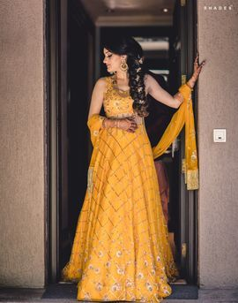 ee964cde5757 See more on wedmegood.com #wedmegood #indianwedding #indianbride #lehenga # lehengacholi #sangeet #braided #outfits #jewelry #jewellery #bridallehenga  # ...