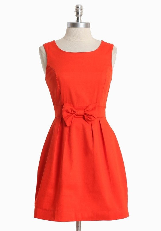 bow dress... love! if it were in a deeper color = even better