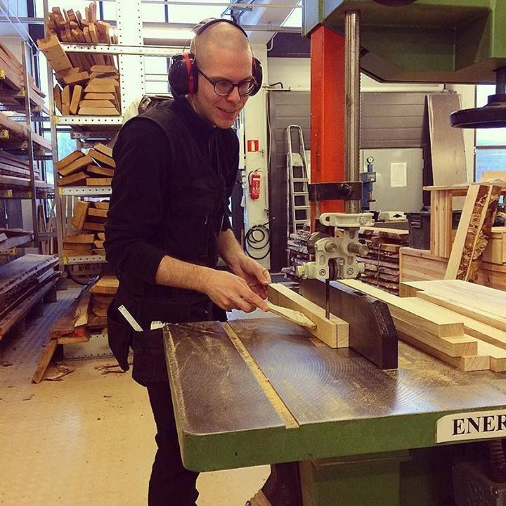Muistoja viime syksyltä jonka oon unohtanut postata. Kuva: @mizeps #puuseppä #puuala #osao #opiskelu #woodworking #woodwork #joinery #carpenter #design #studing http://ift.tt/2iXQHhW