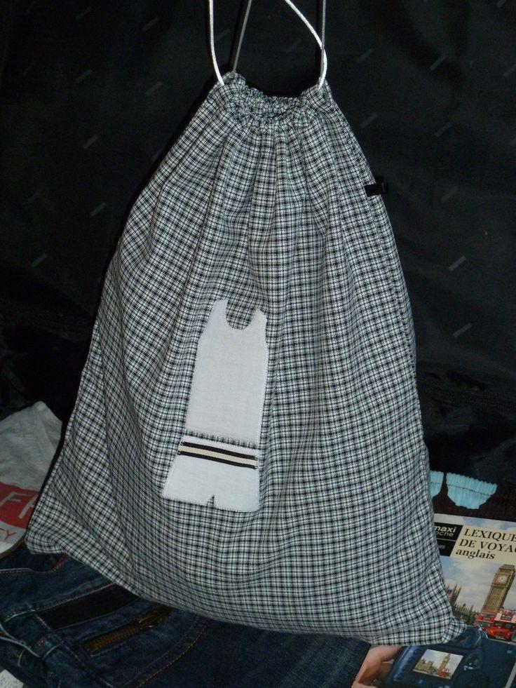 les 102 meilleures images propos de couture trousses et pochons sur pinterest sacs sac. Black Bedroom Furniture Sets. Home Design Ideas
