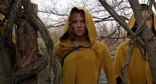 """В качестве замены Кирстен Данст в актерском составе картины """"Таинственный лес"""" появилась Брайс Даллас Ховард. Кирстен же предпочла поработать над картиной «Элизабеттаун» (Elizabethtown)."""