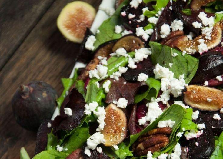 Η σαλάτα με την απόλυτη vinaigrette & μόνο με 250 θερμίδες Plus σύκα, τα υπέροχα φρούτα εποχής.