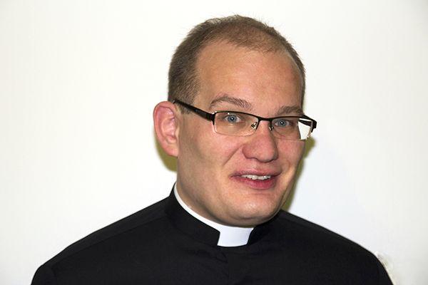ks. Piotr Śliżewski.png (283 KB)