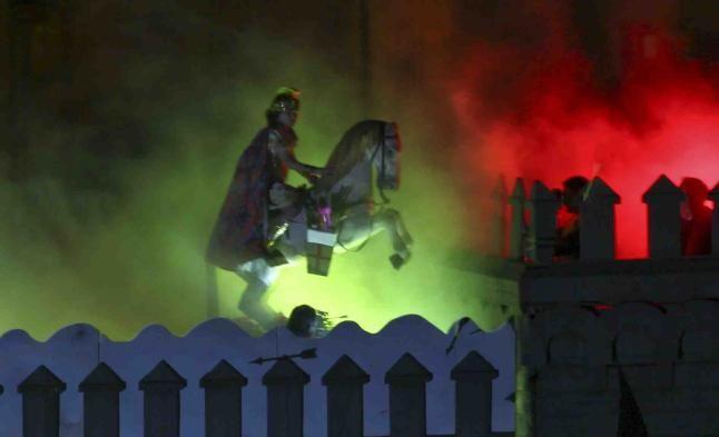 La Aparición de Sant Jordiet pone el brillante colofón a las Fiestas de Alcoy - Informacion.es