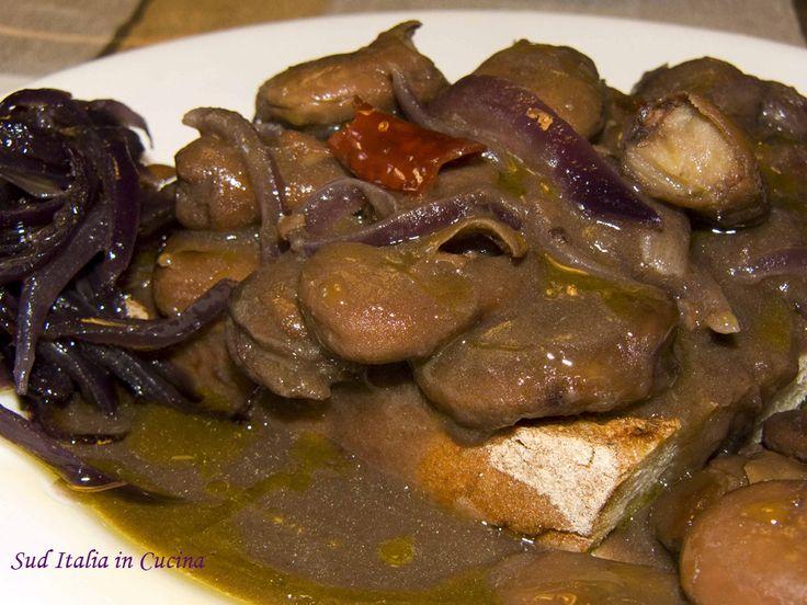 Faf Spzzutat' a' Santeramana - Fave Spuntate alla Santeramana - http://cucinasuditalia.blogspot.it/2011/11/fave-spzzutat-alla-santeramana.html
