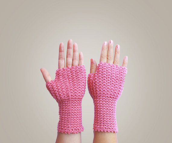 Crochet Fingerless Gloves #crochet #handmade #gloves