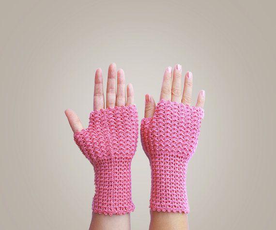 Crochet Fingerless Gloves #crochet #handmade #gloves