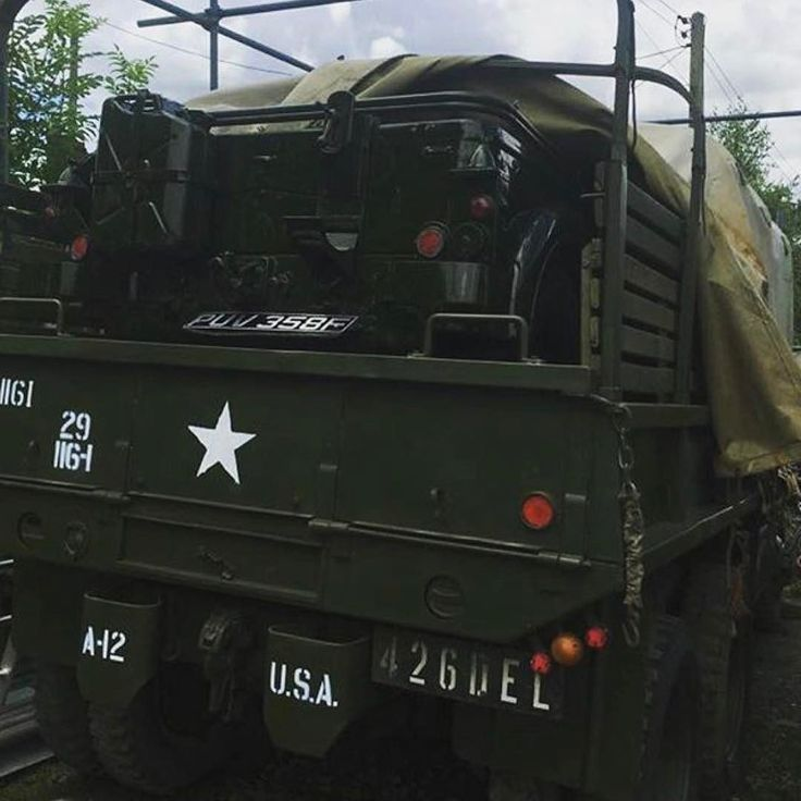 #Repost @rclassiccommercials this is the way to bring your jeep to War and Peace Revival. Buy your tickets now #warandpeace #warandpeacerevival #militaryvehicles #kidsgofree #cckw #jimmy #usa #usa #wartime #1940s #1950s #warandpeace #warandpeacerevival #austin #austinchamp #british #britisharmy #rollsroyce #4x4 #mudmonster #petrol #6x6