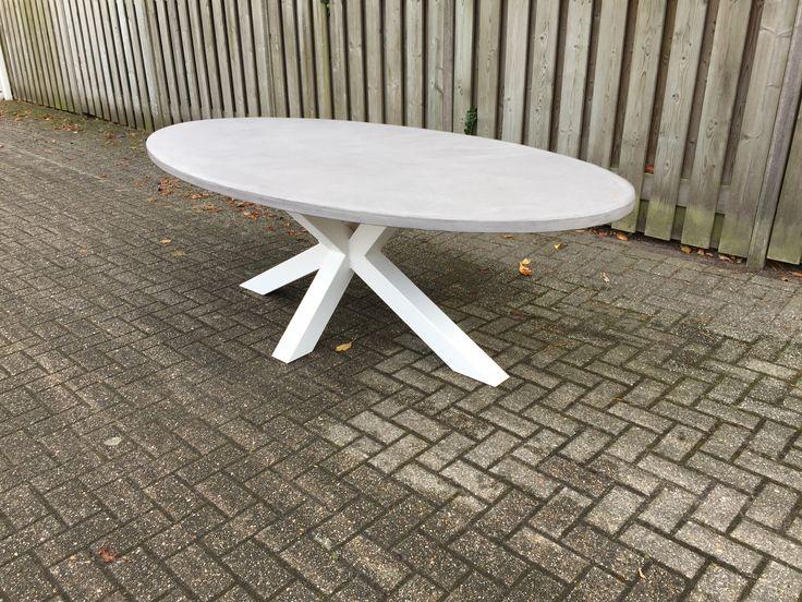 Ook betontafels te verkrijgen bij Afslag26!