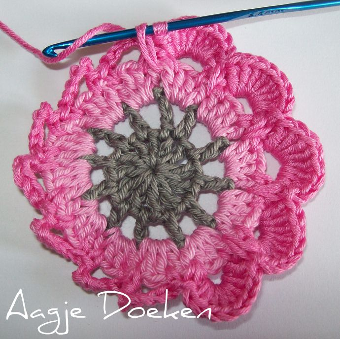 Japanese blossom. instructions are in japanese but pictures show clearly how to make this pattern