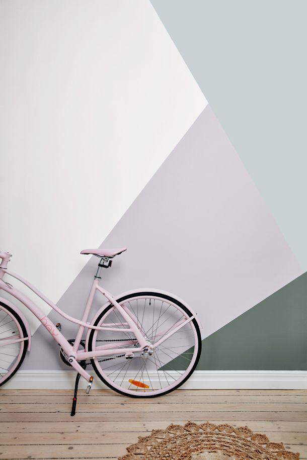 Quand la bicyclette est un élément essentiel du décor. (Sadolin Mini-makeover Hallway 3)