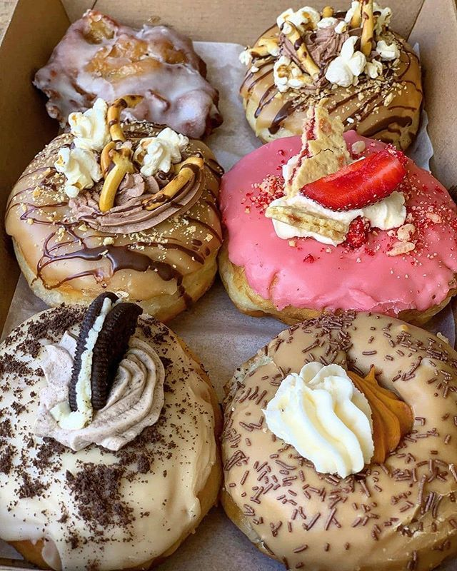Pin By Premium Donut Shops On Desserts Food Bakery Desserts Tasty Bakery