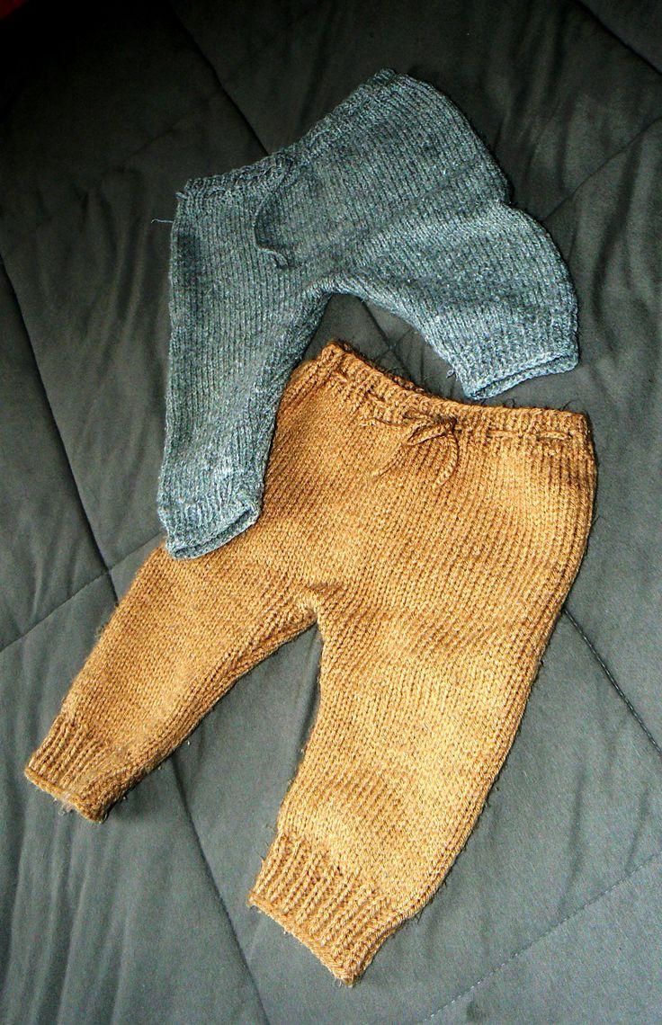 Calça infantil de tricô.