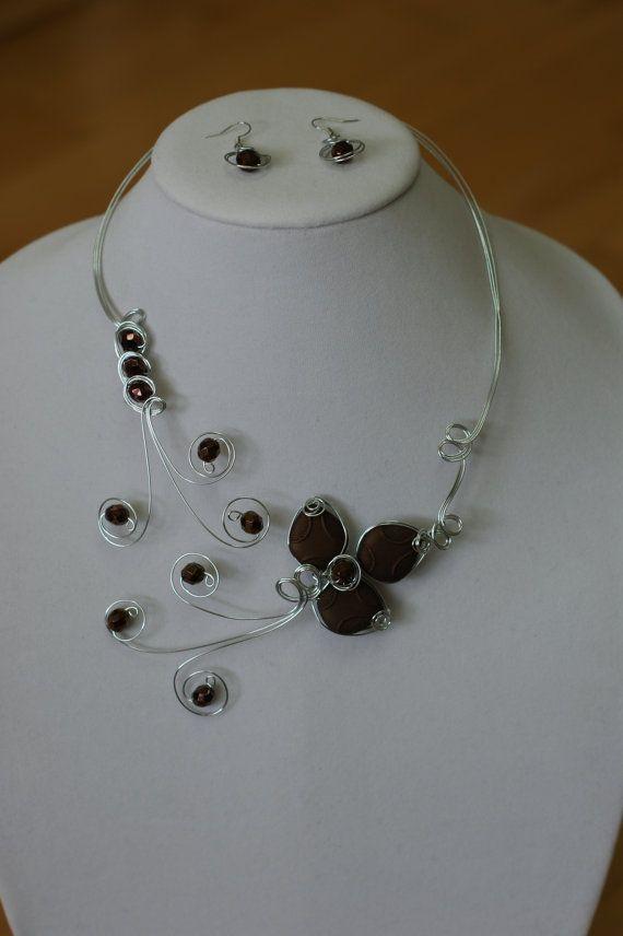 Set of chocolate brown wedding jewelry - - Collier plastron brun en fil d'alu…