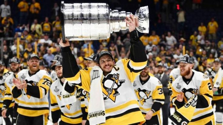 REAL AMERICAN MEN 😙/ Stanley Cup champion Pittsburgh Penguins released a statement in response to President Trump's remarks toward athletes kneeling for the national anthem.