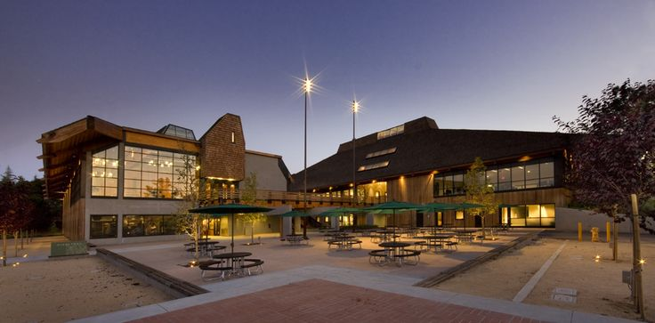 Top 10 Community Colleges in California: 2014 Photo: Foothill_exterior-main1