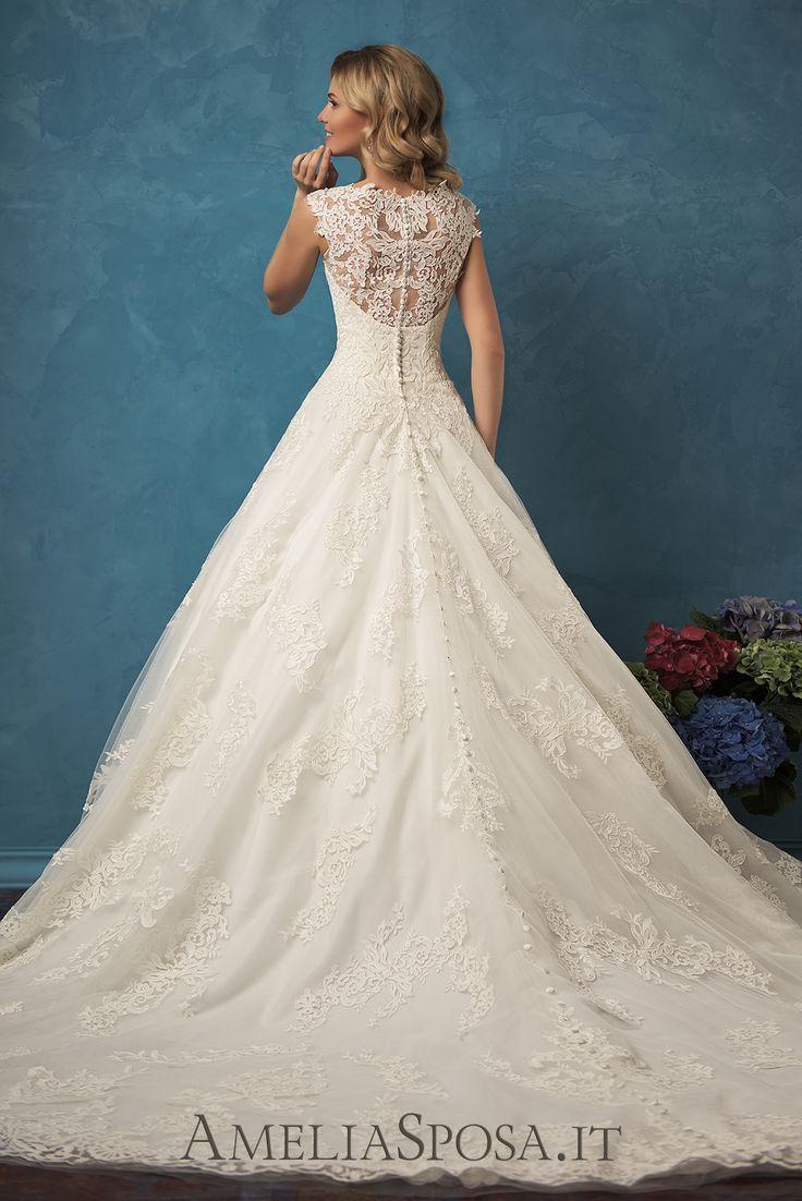 Wedding Dress Melania, Silhouette: A-line