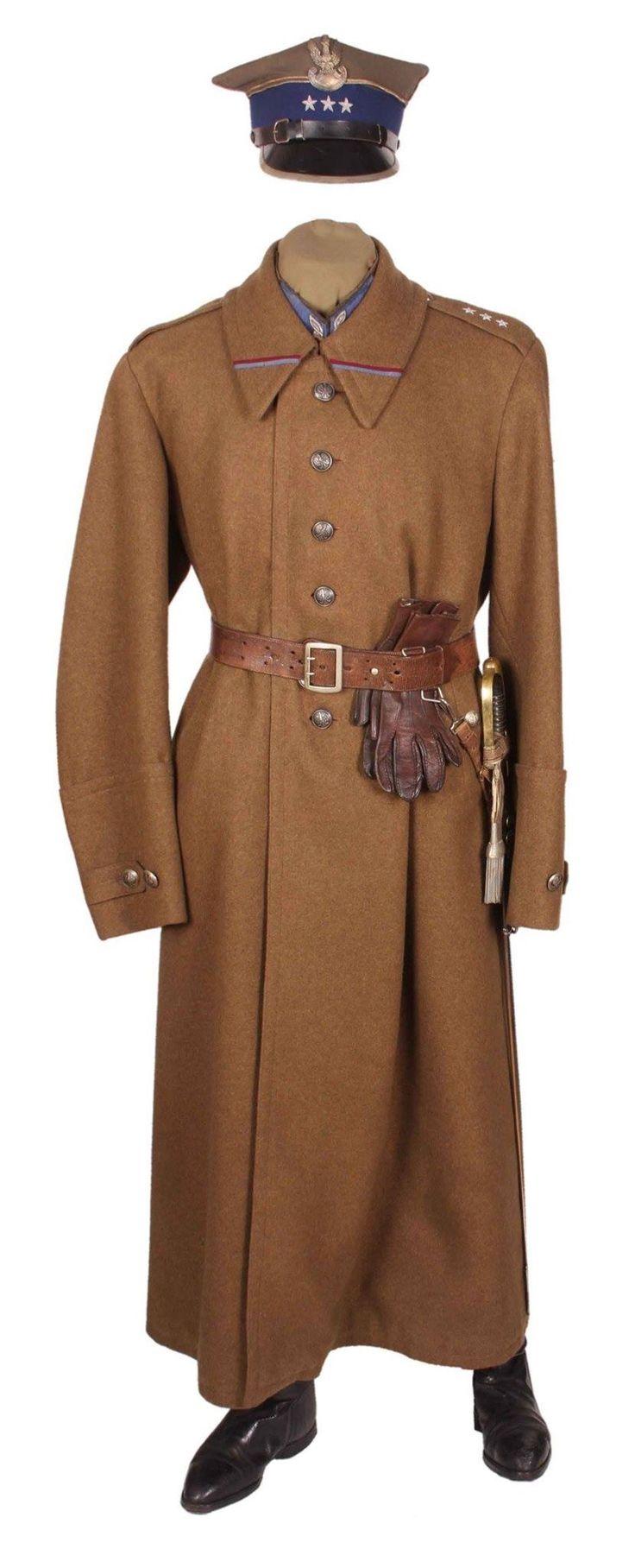 Polish uniform.   ^ https://de.pinterest.com/stanislawmartin/polish-division-1939/