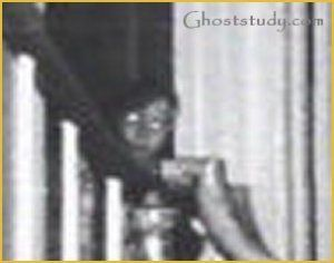 ghosts | Amityville Horror House Ghost revealed in photo!